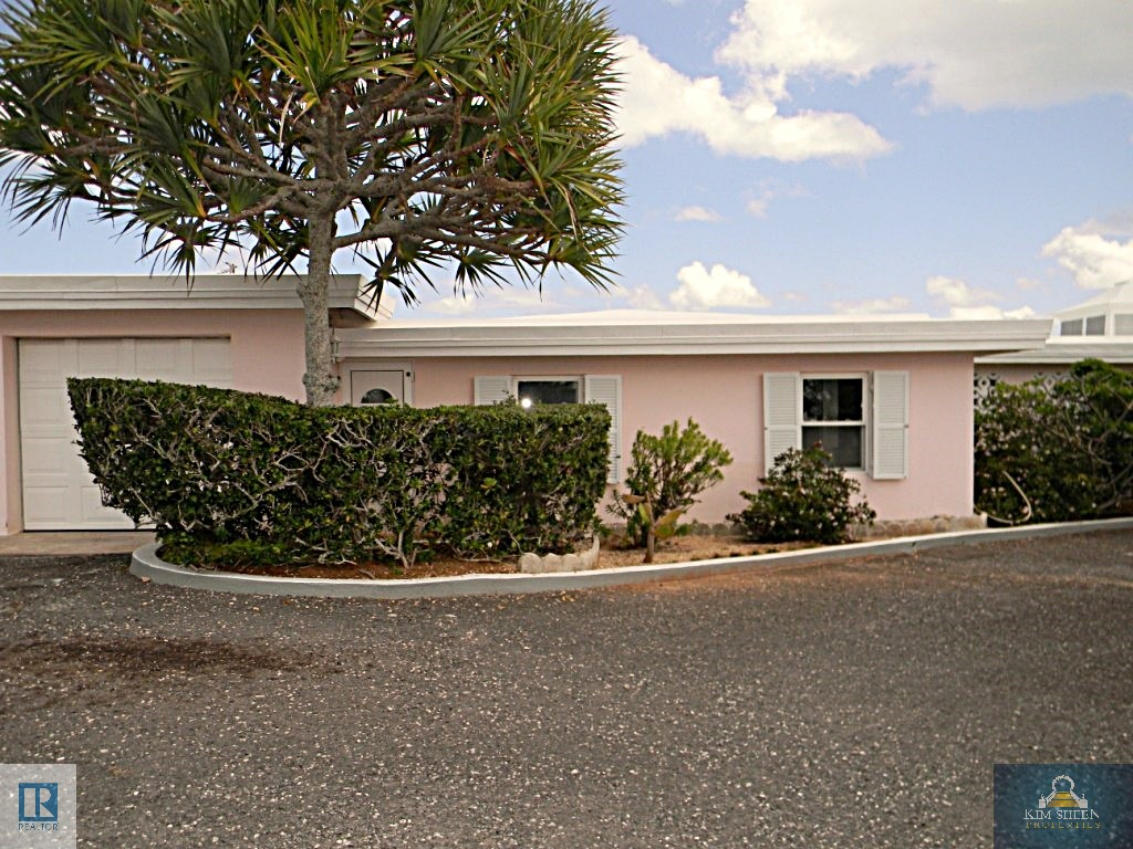 RENTED!!! SPACIOUS & BRIGHT WITH AMAZING VIEWS!